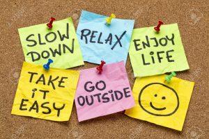 28078017-rallentare-rilassarsi-prendere-facilmente-godere-della-vita-i-ricordi-lifestyle-motivazionali-sulle-archivio-fotografico